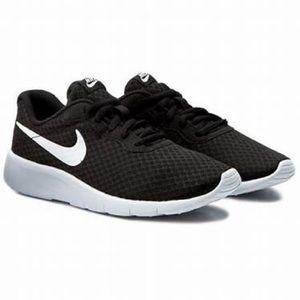 Nike Tanjun Shoes!